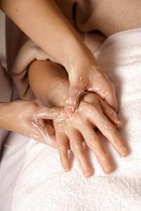 עיסוי רפואי להקלת כאבים אורטופדיים